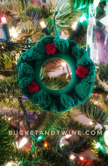 wreath ornament crochet